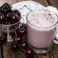 Smoothie with Cherries