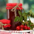 How to Make Rosehip Marmalade