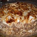 Cake with Caramelized Walnuts and Cream