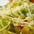 Fast Salad with Pasta and Zucchini