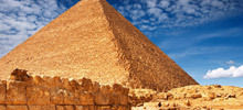 Elizabethan Myths - Dispelled are the myths that slaves built the Egyptian pyramids