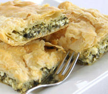 Zelnik with Spinach and Onions