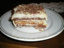 Biscuit Cake with Homemade Cream