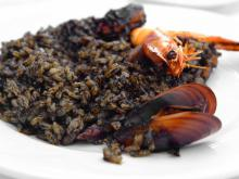 How to Prepare Spanish-Style Black Rice