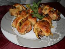 Chicken Legs with Sivri Peppers in Puff Pastry
