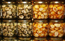 Pickled Garlic with Honey and Cream