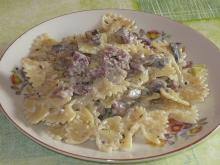 Farfalle with Cream Sauce and Smoked Bacon