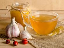 Drink Garlic Tea Against Viruses and Colds!