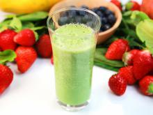 Spinach Smoothie with Strawberries