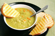 Cream Pea Soup with Noodles