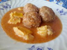 Stew with Meatballs and Quinces