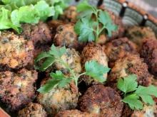 The Most Appetizing Vegetarian Meatballs you've Ever Eaten