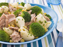Pasta Salad with Broccoli and Tuna