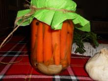 Sterilized Pickled Carrots