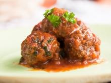 Fried Meatballs with Tomato Sauce