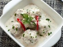 Meatballs with Parsley and White Sauce