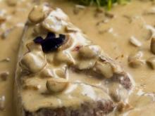 Steaks with Mushroom Sauce and Cream
