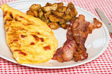 Omelet with Mushrooms and Ham