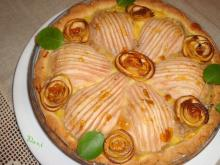 Pie with Pears and Cream