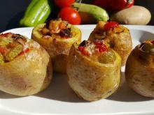 Stuffed Potatoes with Vegetables