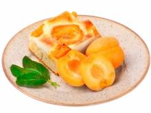 Apricot Pie with Yoghurt