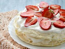 Meringue Cake with Mascarpone