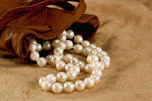 Pearls bring happiness, but not to everyone