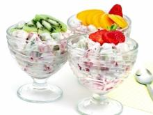 Fruit Salad with Cream and Vanilla