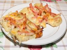 Baked Potatoes with Sour Cream and Ham