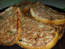 Appetizing Baked Mince Sandwiches