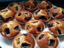 Fluffy Muffins with Fruits