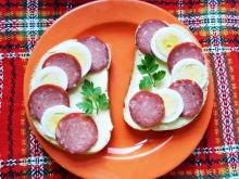 Sandwiches with Egg and Salami