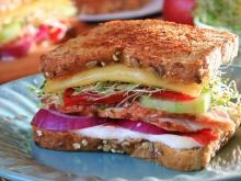 Sandwich with Turkey and Sprouts