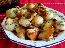 Aromatic Country-Style Potatoes