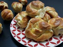 Feta Cheese Buns with Fluffy Dough