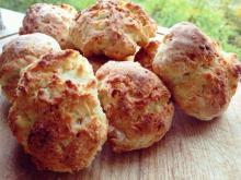 Easy and Salty Feta Cheese Buns