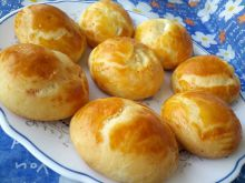 Round Buns with Yeast