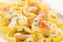 Fettuccine with Salmon and Spinach