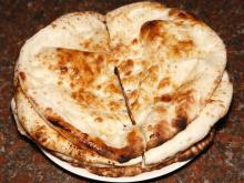 Flatbread with Garlic (Tandoori Naan)