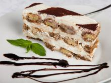 Cake with Biscotti and Cream Cheese
