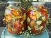 Quick Pickle in Three Liter Jars