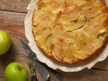 Plain and Simple Apple Cake