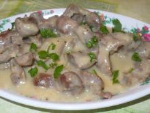 Chicken Gizzards with Mushroom-Garlic Sauce