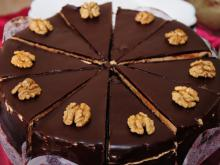 Juicy Walnut Cake