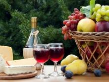 Etiquette for Serving and Consuming Red Wine