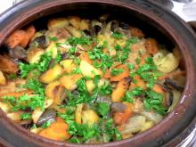 Rabbit with Vegetables in a Clay Pot