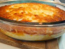 Casserole with Potatoes, Bacon and Cream