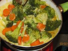 Steamed Vegetables with Vegan Cream
