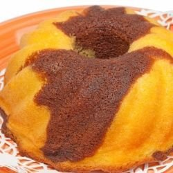 Orange Sponge Cake with Chocolate