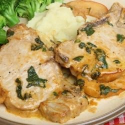 Pork Chops with Broccoli and Mushrooms